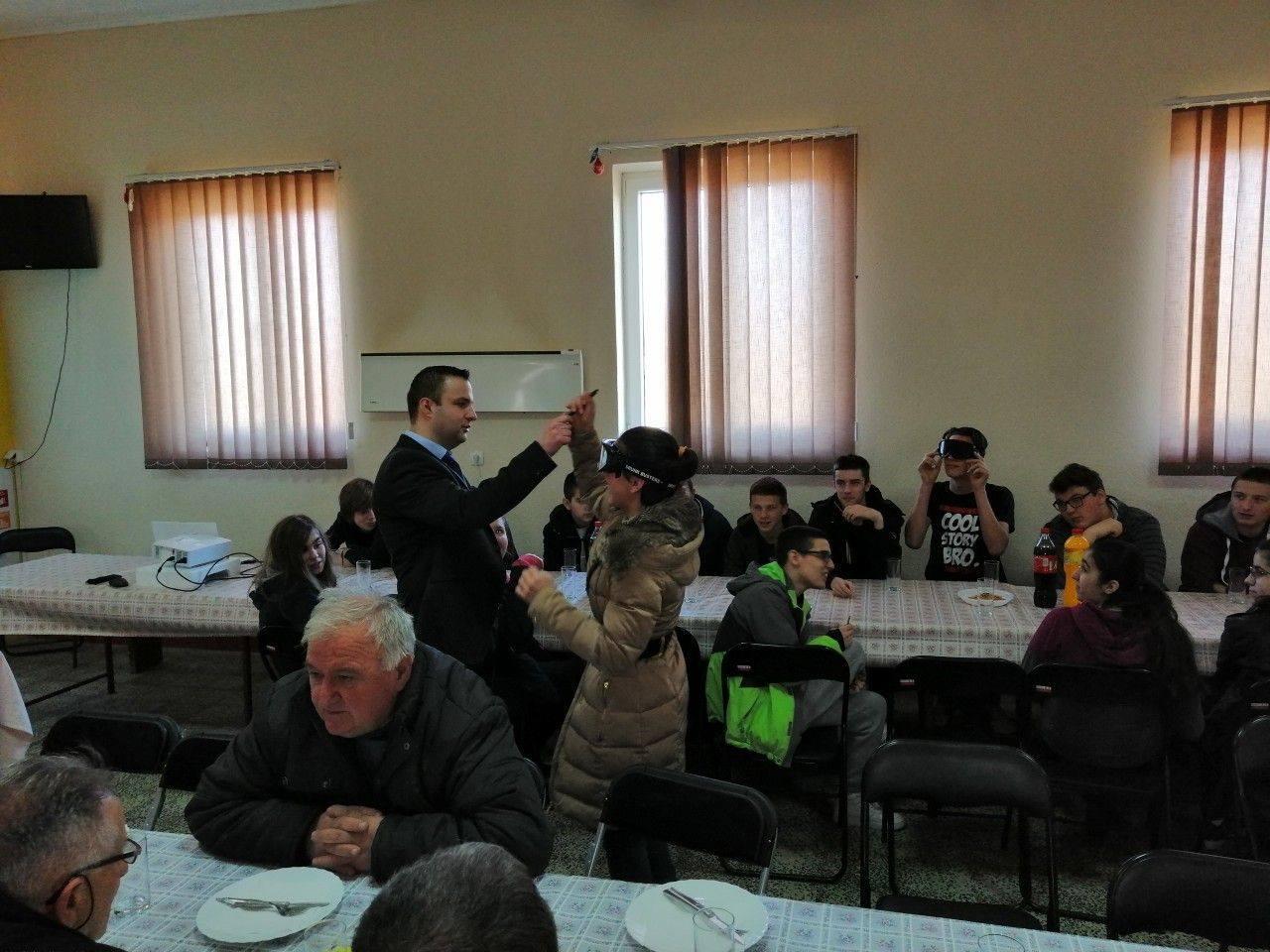 У Великом Блашку одржано предавање из области безбједности саобраћаја за ученике IX разреда