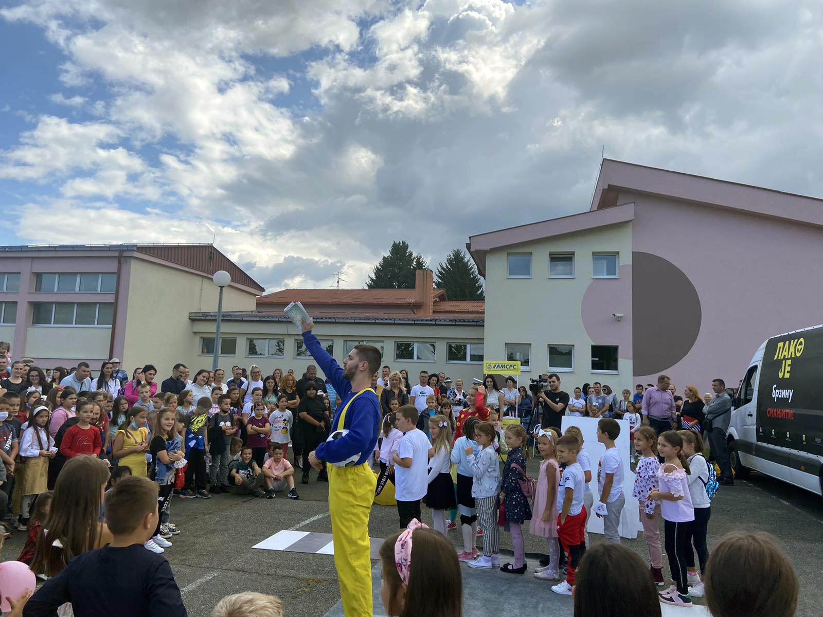 """Почела нова школска године – посјета ОШ """"Младен Стојановић"""" у Лакташима"""
